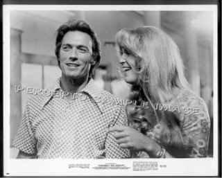THUNDERBOLT AND LIGHTFOOT *Orig '74 Movie Photo - Clint EASTWOOD / Jeff BRIDGES in DRAG