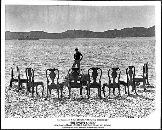 THE 12 CHAIRS ~ Orig '70 Movie Photo ~ Chairs & MEL BROOKS