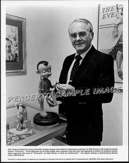 PINOCCHIO & HIS VOICE ~ 1940 Rare Orig R84 WALT DISNEY Press Photo ~ DICK JONES & PUPPET