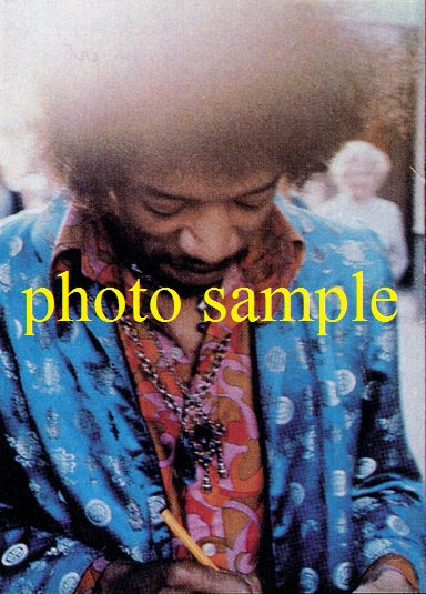 Jimi Hendrix 1967 UK Offstage Photo 5x7
