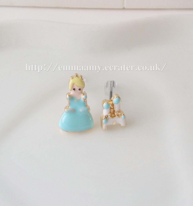 Cute Ice Princess Palace Stud Earrings