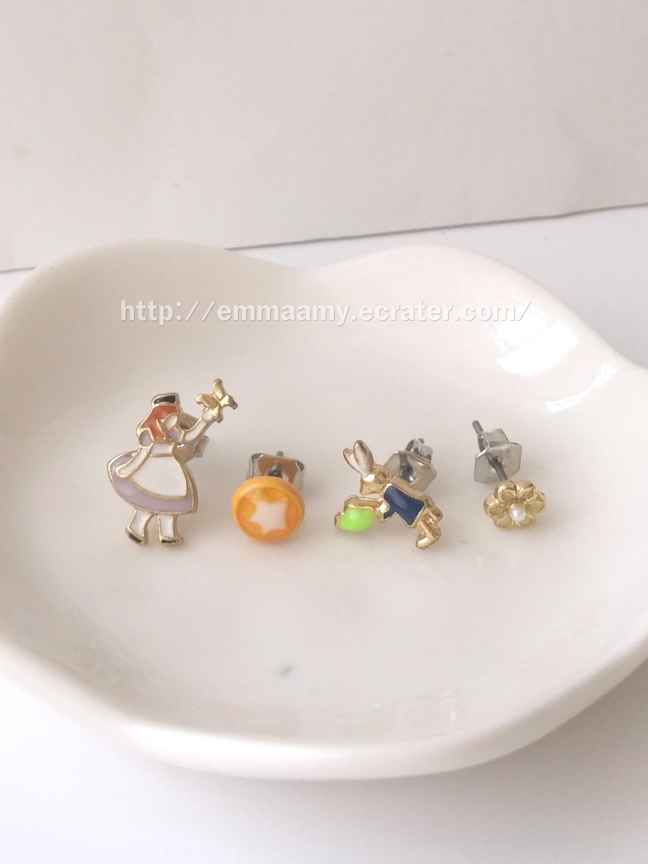 Alice IN Wonderland Stud Earrings Set