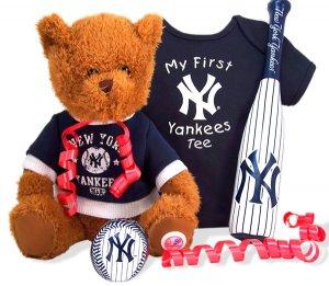 New York Yankees New Baby Boy Gift Set Basket