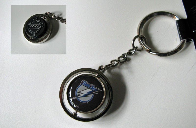 Tampa Bay Lightning Rubber Puck Spinner Keychain Key Ring