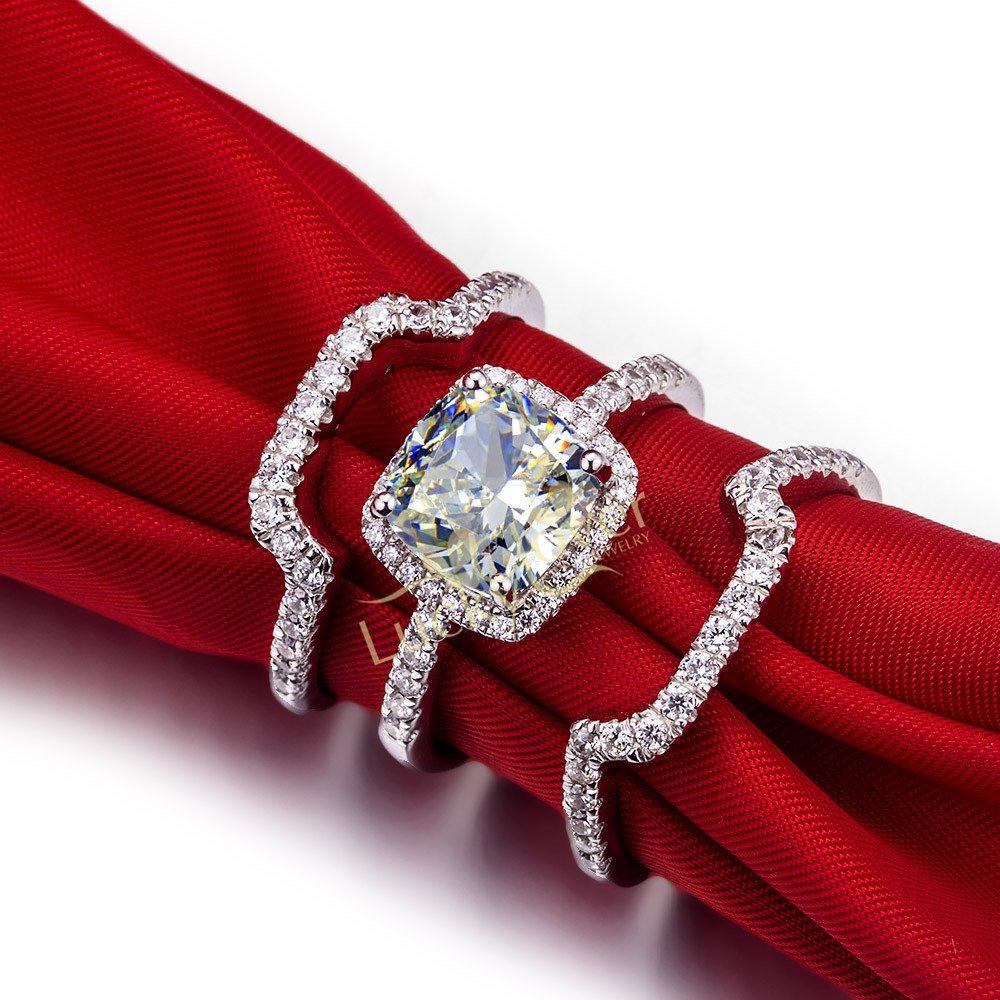 Luxury 3 Ct Cushion Cut Man Made Diamond Ring Engagement Ring