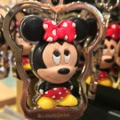 DISNEY PARKS CUTE MINNIE MOUSE METAL KEY CHAIN NEW WITH TAGS
