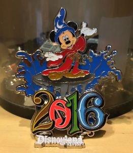 Disneyland Exclusive 2016 Sorcerer Mickey Magnet Music Magic Memories NEW