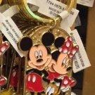 Disney Parks Mickey Minnie Pluto Keychain I Love Skiing New With Tags
