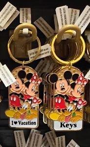 Disney Parks Mickey Minnie Pluto Keychain I Love Vacation / Keys New With Tags