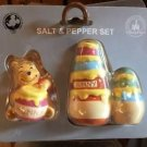 DISNEY PARKS EXCLUSIVE WINNIE THE POOH AND HONEY SALT PEPPER SHAKERS SET NEW
