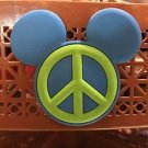 DISNEY PARKS EXCLUSIVE MICKEY MOUSE EAR MAGNET WITH PEACE SIGN NEW