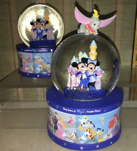 Disneyland 60th Diamond Celebration Dumbo Mickey Minnie Musical Snow Globe New