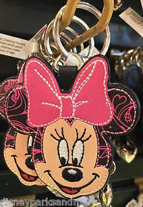 DISNEY PARKS MINNIE MOUSE FACE WITH PINK BOW KEYCHAIN NEW WITH TAGS