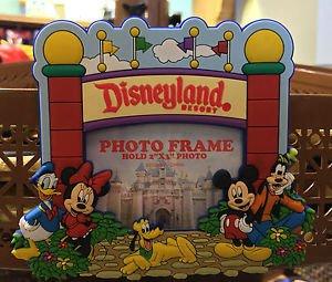 Disneyland Resort Magnetic Mini Photo Frame Mickey Minnie Pluto Donald & Goofy