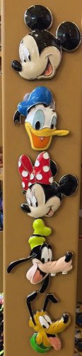 DISNEY PARKS FAB 5 MICKEY MINNIE DONALD PLUTO AND GOOFY ACRYLIC METAL MAGNET SET