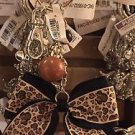 Disney Parks Minnie Mouse Bow Leopard Print Bow Keyring Keychain New