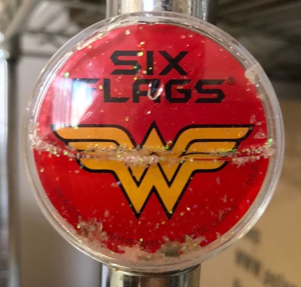 Six Flags Magic Mountain Dc Comics Wonder Woman Mini Globe Magnet New