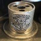 Universal Studios Exclusive Harry Potter Hogwarts Crest Metal Quill Holder New
