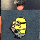 Universal Studios Exclusive Despicable Me Minion Dave & Notebook Trading Pin New