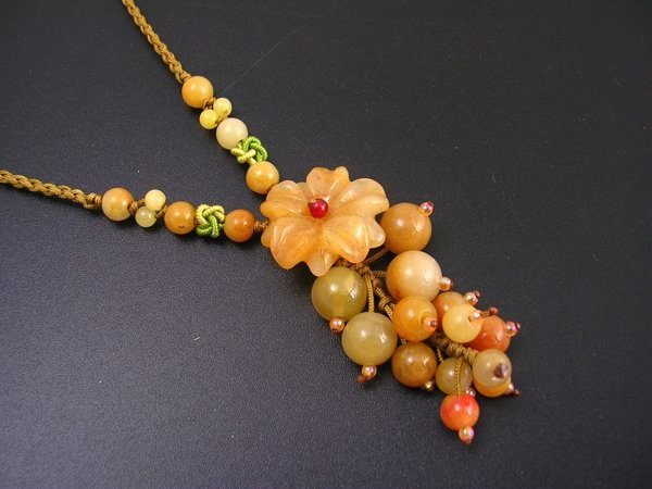 DSCN-1636  Yellow Jade Necklace With DropPendant