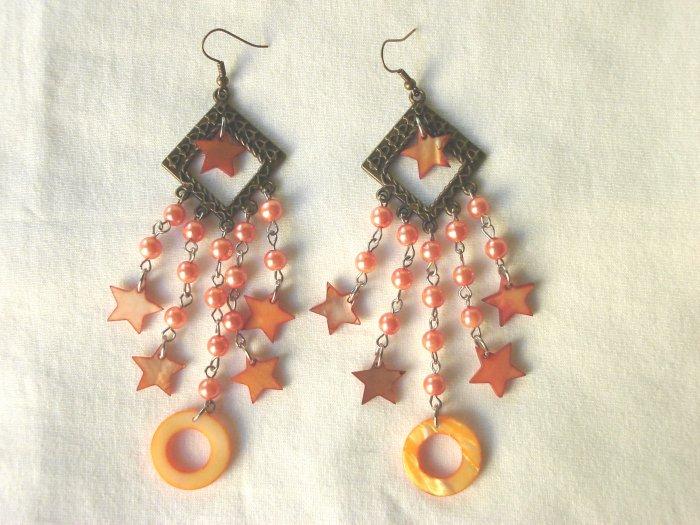 EHX-8001     Natural shell Earrings