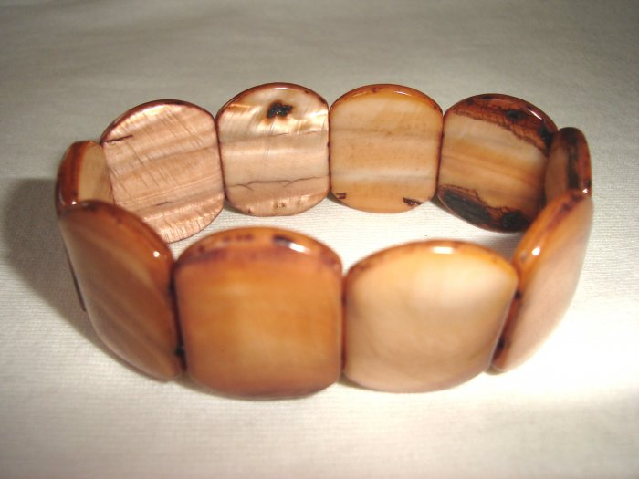BHX-6009     Natural Shell Bracelet
