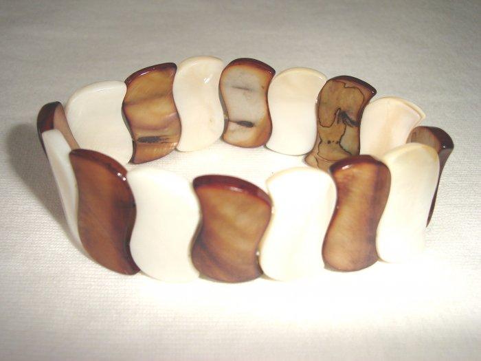 BHX-6025    Natural Shell Bracelet