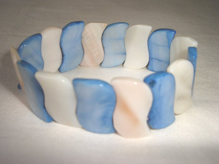 BHX-6023    Natural Shell Bracelet