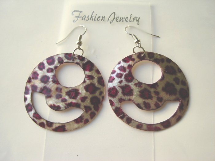 ECL-6001      Natural Shell Earrings