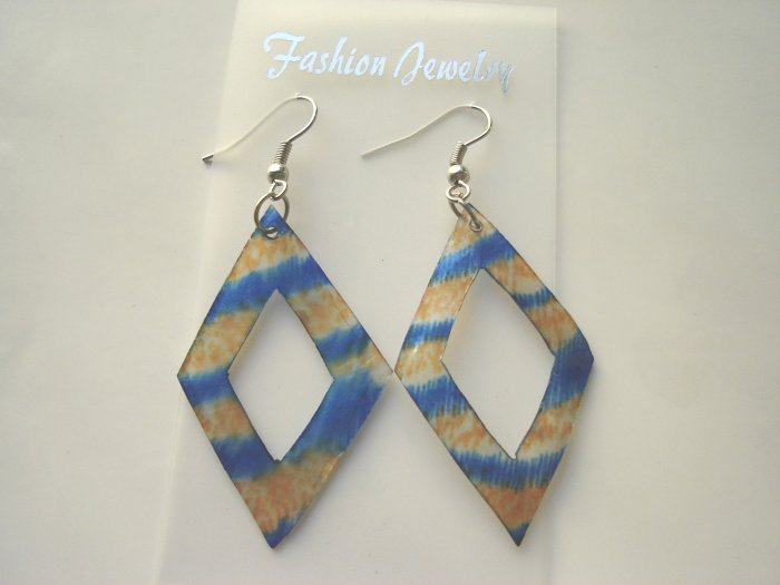 ECL-6002      Natural Shell Earrings