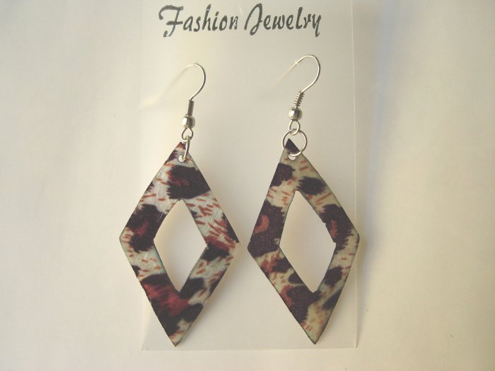 ECL-6003      Natural Shell Earrings