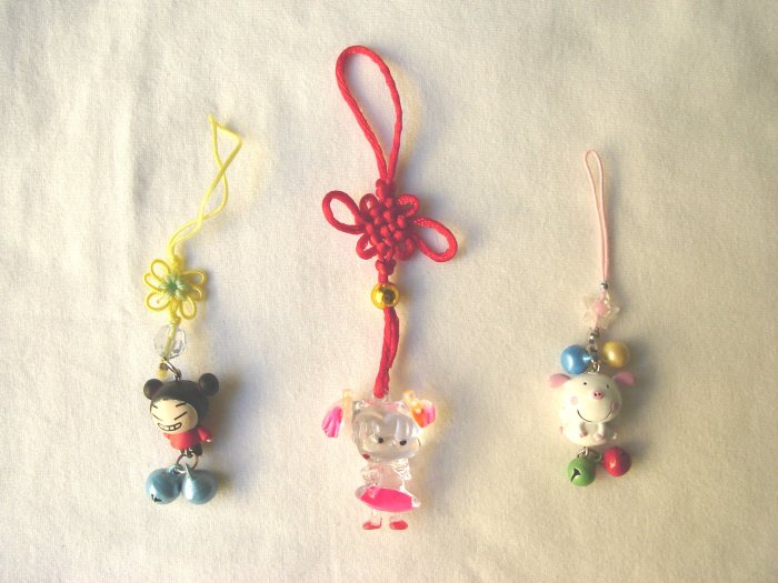 KCL-8013    Plastic Doll & Metal Bell Chinese Knot set