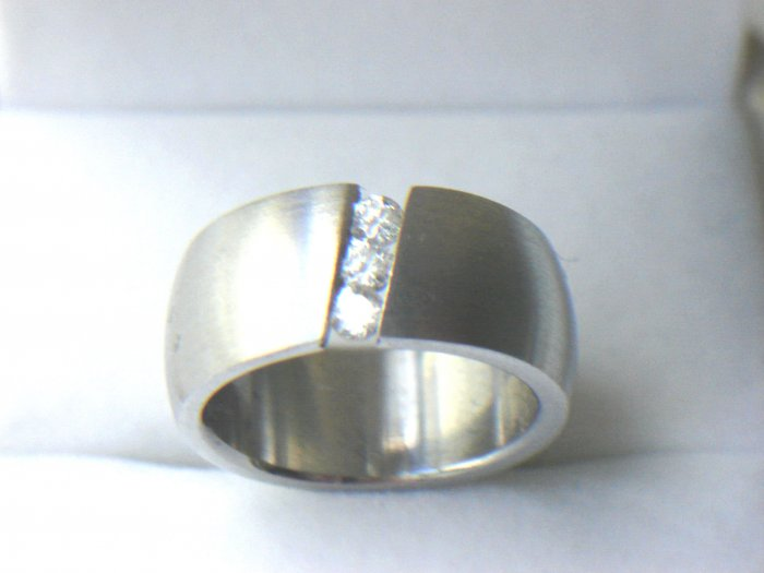 RHD-8038     Stainless Steel CZ Band Ring
