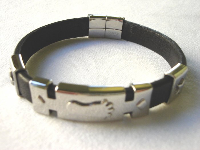 BHY-6016     Stainless Steel & Genuine Leather Bracelet