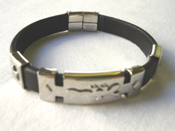 BHY-6015     Stainless Steel & Genuine Leather Bracelet