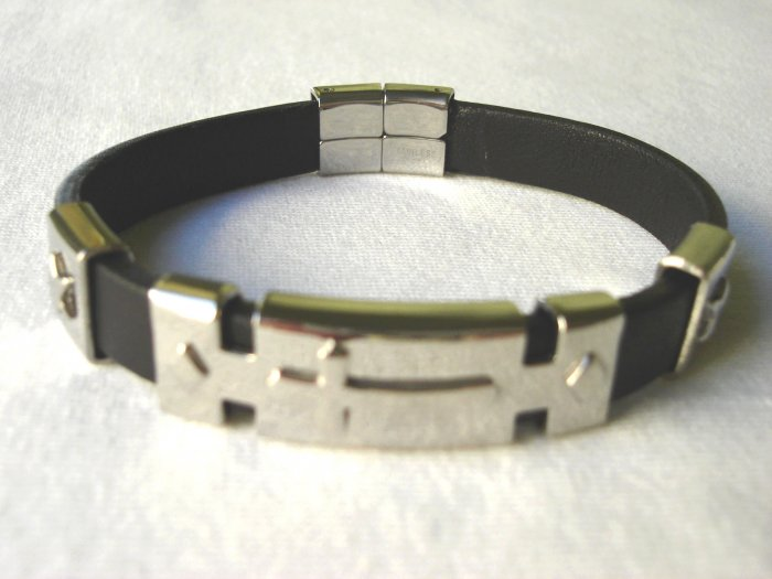 BHY-6014     Stainless Steel & Genuine Leather Bracelet