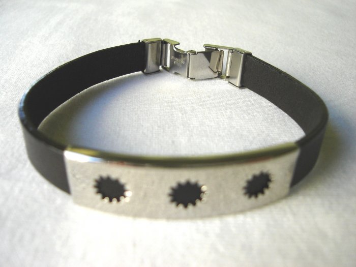 BHY-6003    Stainless Steel and Genuine Leather Bracelet