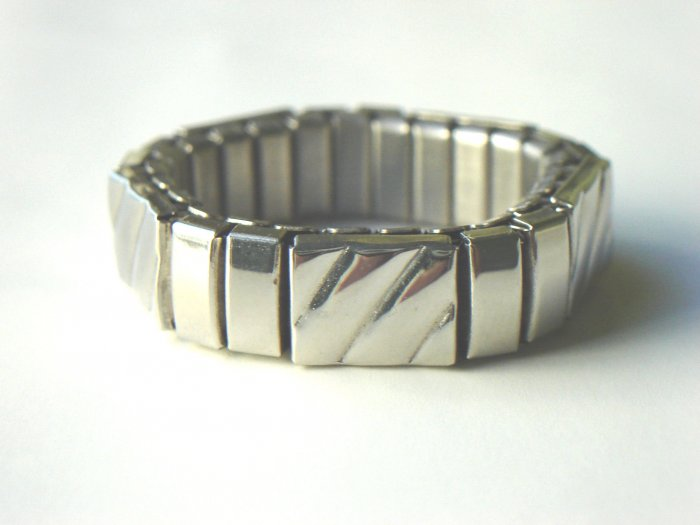 RHY-6003       Stainless Steel Stretch Ring