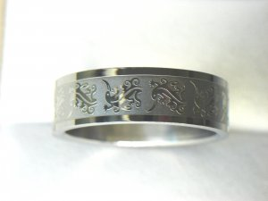 Free shipping--Stainless Steel Flower-Design Wedding Ring