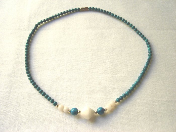 NSP-6007 Masan Stone and Shell Beads Necklace