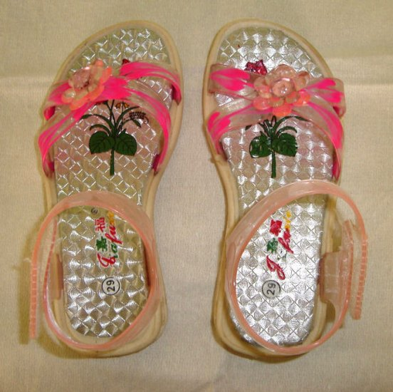 Free shipping--- Brand new shoes