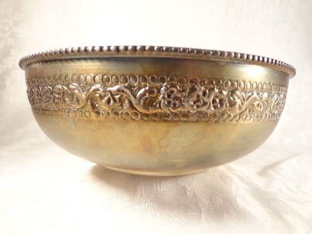 ANTIQUE SOUTHEAST ASIA SILVER SERVING BOWL 7' W HAND CHASED INTRICATE FLOWER