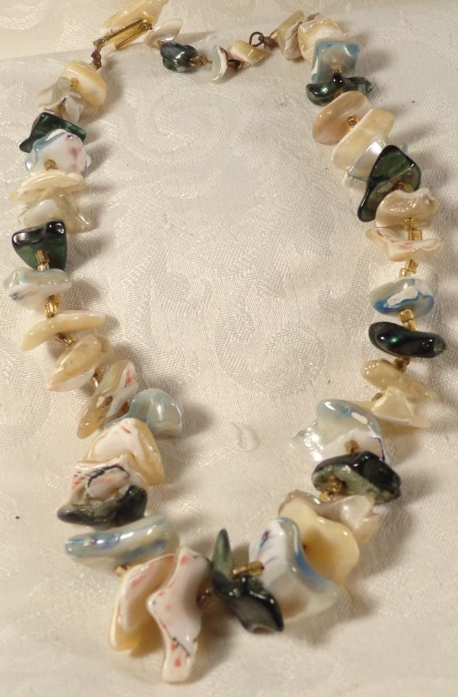VINTAGE MID CENTURY JAPAN GOLD PLATE ABALONE SHELL SPACER BEAD NECKLACE LOVELY