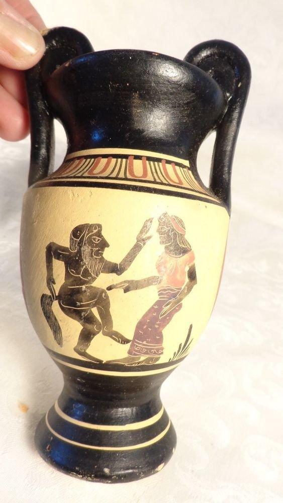 VINTAGE HAND PAINTED PRIMITIVE GREEK WARRIOR FIGURAL URN VASE RED CLAY BEAUTY