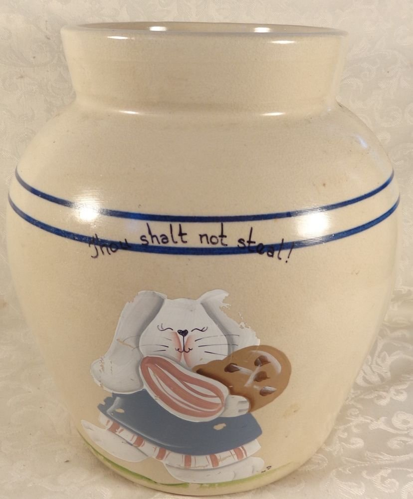 VINTAGE CASEY POTTERY TEXAS HAND TURNED POTTERY COOKIE JAR BUNNY NO STEALING...