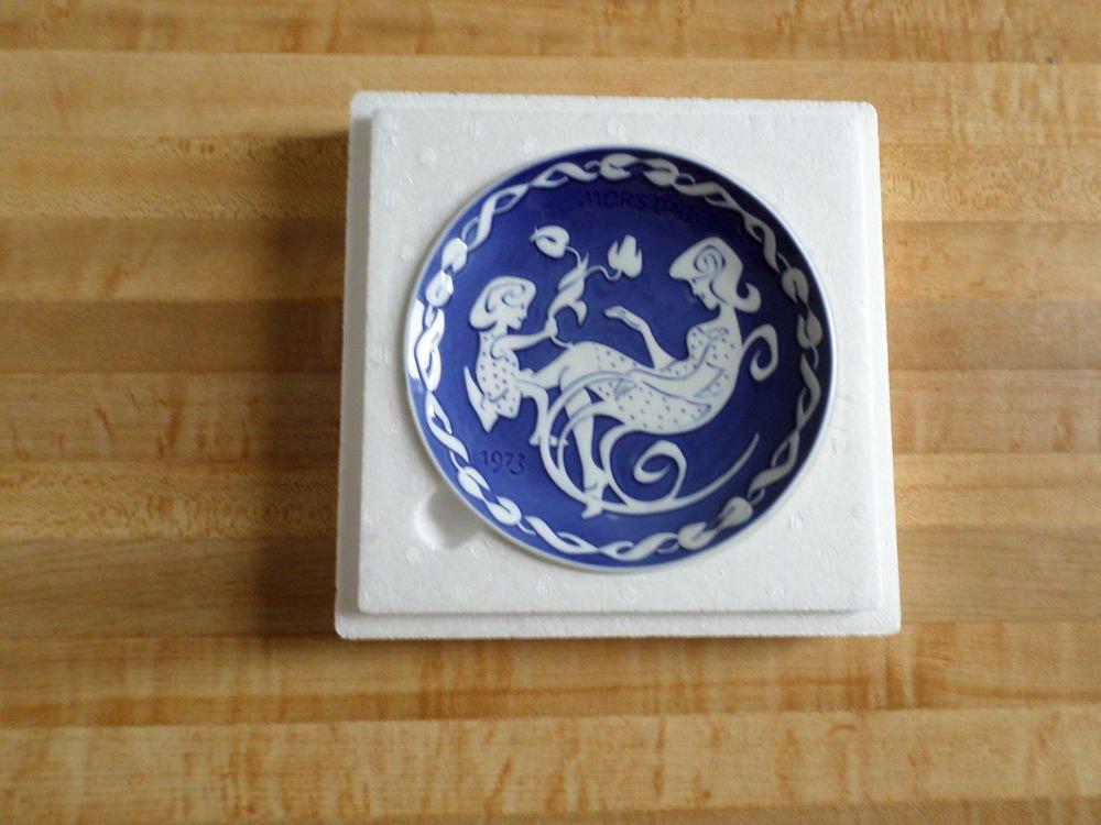 Royal Copenhagen annual Mother's Day Plate 1973 - Danish Mors Dag - cobalt blue