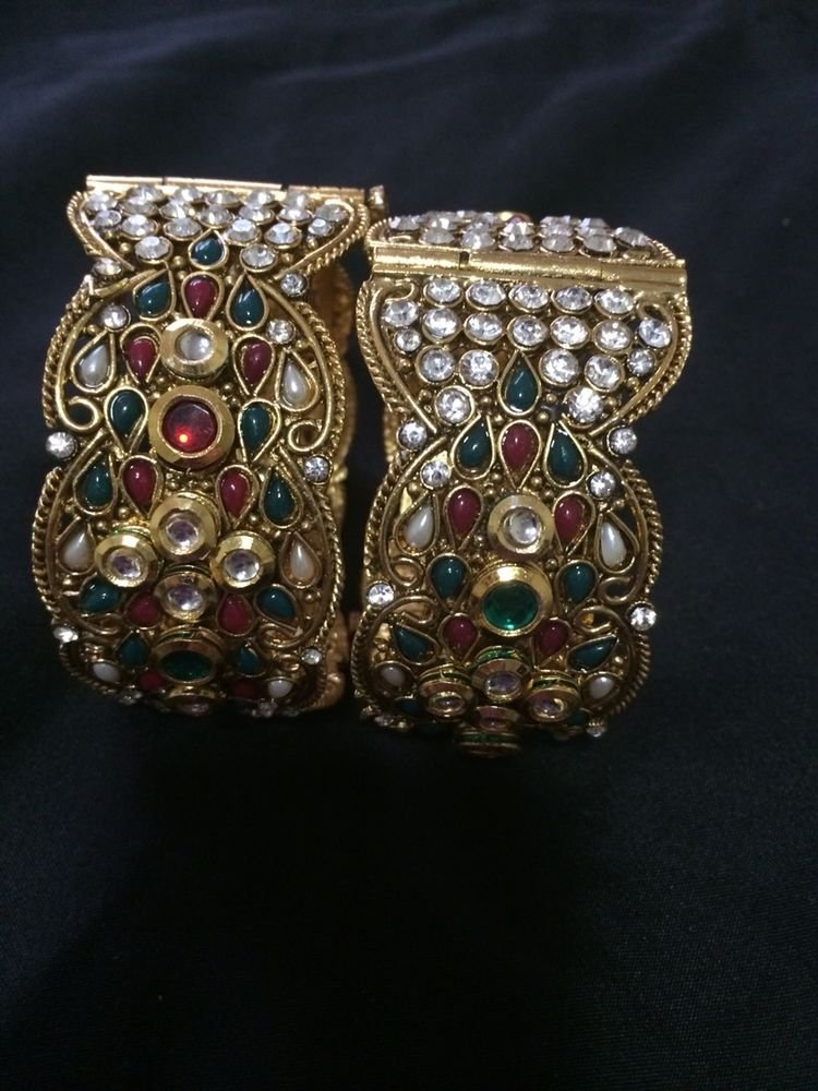 New Gold Kundan Style Ethnic Bangel  for Casual and Formal Dresses