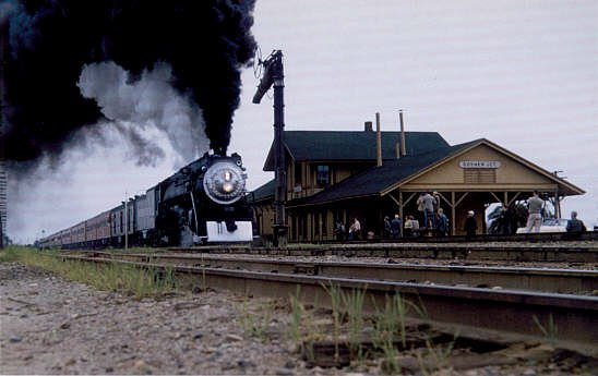 Southern Pacific 4-8-4 #4439 Steam locomotive postcard train railroad a63