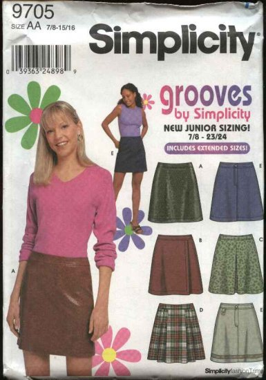Simplicity Sewing Pattern 9705 Junior Size 17/18-23/24 Fitted Pleated Mini-Skirts