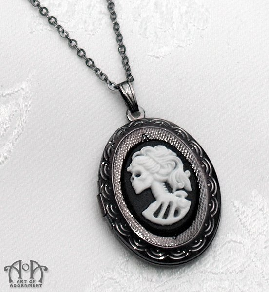Gothic Lolita Skeleton Cameo Locket Necklace Lady Skull Gunmetal Black White D26